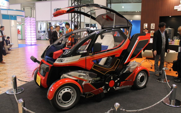 <p>The Ex-Machina is designed to fold up if needed to shorten its wheelbase, so it can park in a smaller spot.</p>