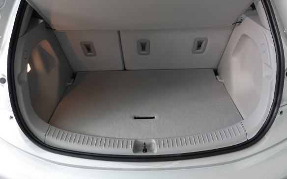 <p>Flip the rear hatch open and you find 478 litres (16.9 cu.ft) of cargo volume with the rear seatbacks locked in place. That's more than in the Malibu midsize sedan (447 / 15.8).</p>