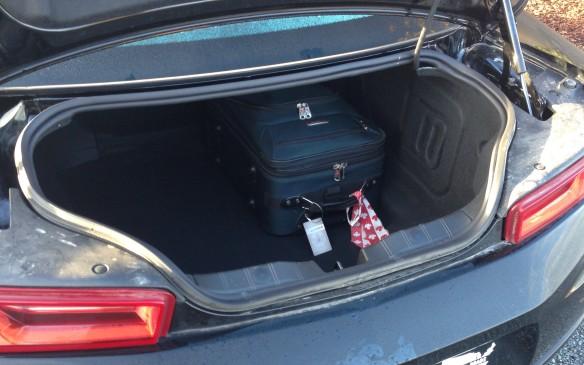 <p>2016 Chevrolet Camaro 1LT trunk</p>