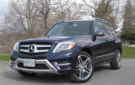 2013 Mercedes-Benz GLK 250 - front 3/4 view low