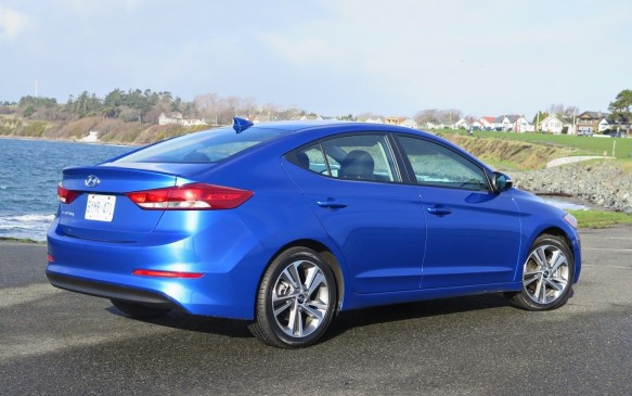 <p>The new Elantra will be built in factories in South Korea and Alabama and go on sale in late February. Due to the current currency fluctuation situation prices have not been finalized yet.</p>