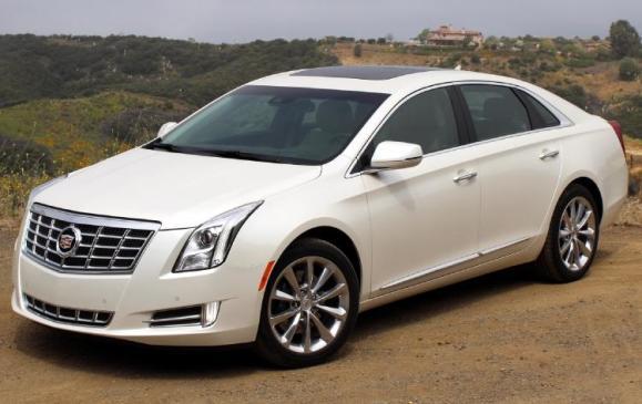 2013 Cadillac XTS - front 3/4 beauty