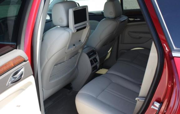 2010 Cadillac SRX - rear seats