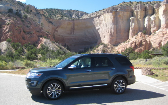 <p>2016 Ford Explorer Platinum</p>
