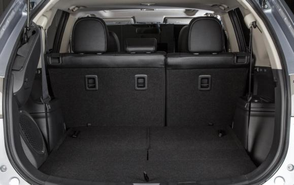 2014 Mitsubishi Outlander - cargo area, rear seatbacks up