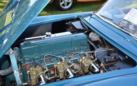 <p>1954 Corvette 6-cylinder engine</p>