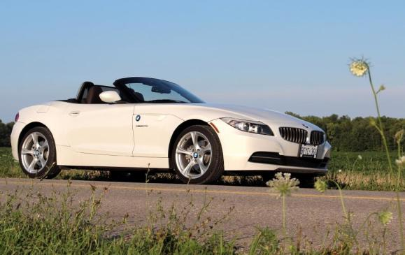 2012 BMW Z4 28i - front 3/4 view