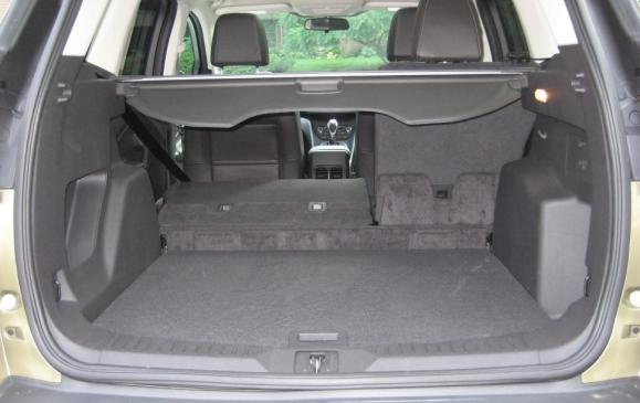 2013 Ford Escape - cargo area and privacy cover
