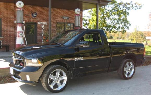 2014 Dodge Ram - front 3/4 view beauty shot