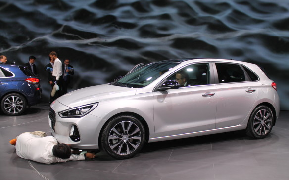 <p>Hyundai introduced its i30 compact hatchback, which we'll see next year as the new Elantra GT. Its front suspension attracted all kinds of attention from an engineer with a competitive car company.</p>