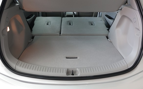 <p>With both seatbacks folded forward, cargo volume ramps up to a properly cavernous 1603 litres (56.6 cu.ft).</p>