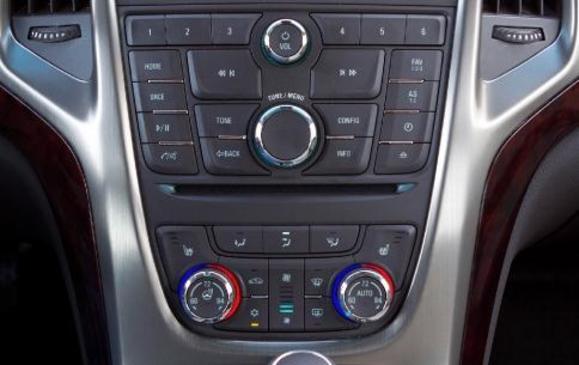 2012 Buick Verano - centre stack