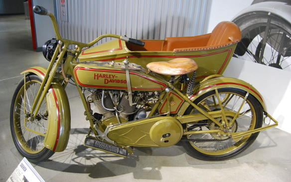 """<p>During the 1910's, motorcycle manufactures began offering motorcycles fitted with sidecars as well as cargo boxes for delivery purposes, transforming motorcycles from just passenger or recreational vehicles to those capable of carrying small goods.</p> <p>Not long after, in 1921, Harley-Davidson began producing a 74-cubic inch """"Big Twin"""" to compete with the equally sized Indian V-Twin and Henderson four-cylinder models on the market. New for 1922 were two engine size choices from Harley-Davidson: a 61-cubic inch version, """"Model F"""" and a 74-cubic inch version labelled """"Model FD"""".</p>"""