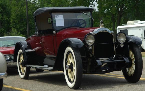 Old Cars - 1922 Packard Twin Six Model 335 Roadster