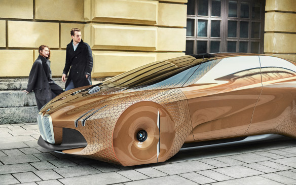 <p>The material of the vehicle itself is constructed of more than 800 triangles that can flex and turn and raise as needed, to allow the whole car to move around corners and over rough terrain. BMW calls this Alive Geometry.</p>
