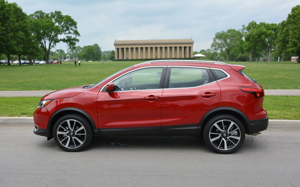 <p>The ride was smooth and relaxing around in out tour around Nashville. The Qashqai gets up to speed quickly, despite a little noise from its CVT. Other than that, the drive was calm and stable without much road noise.</p>