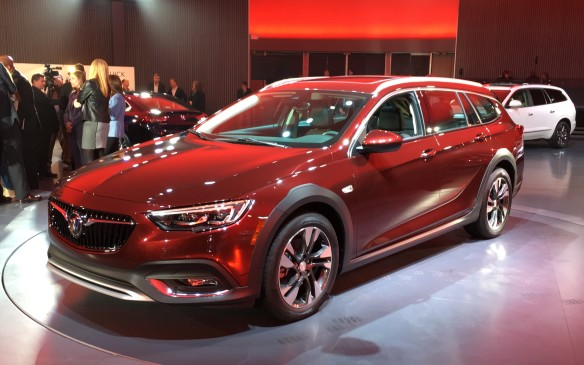 <p>2018 Buick Regal</p>