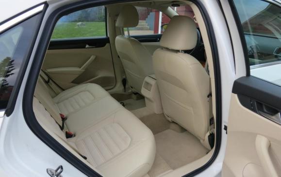 2012 Volkswagen Passat - Rear Seat