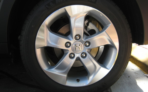 <p>In front-wheel-drive configuration, the HR-V is available with either Honda's new Earth Dreams CVT with its distinctive shift points (also used in the Civic, Fit and Accord) or a six-speed manual gearbox borrowed from the Accord. If you opt for Honda's Real Time all-wheel drive system, the CVT is mandatory. All trim levels of the HR-V are fitted with 17-inch alloy wheels as standard equipment.</p>