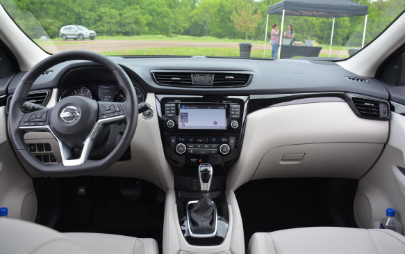 <p>All Qashqais will come with heated front seats, a rear view camera and Siri Eyes Free for calls and texts – compatible only with Siri-equipped iPhones.</p>