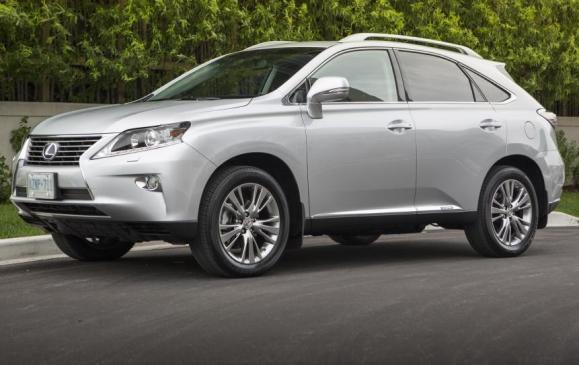 2013 Lexus RX450h - side 3/4 view