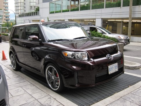 Scion xB 2011 front