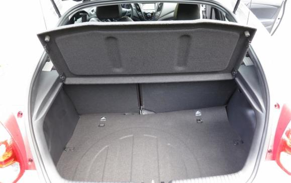 2013 Hyundai Veloster Turbo - trunk