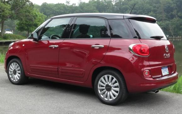 2014 Fiat 500L - rear 3/4 view