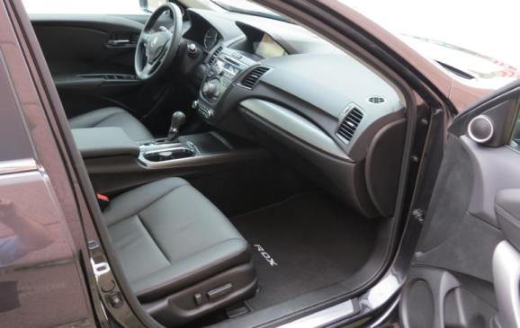 2013 Acura RDX - front seats