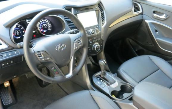 2013 Hyundai Santa Fe Sport - front seats and instrument panel