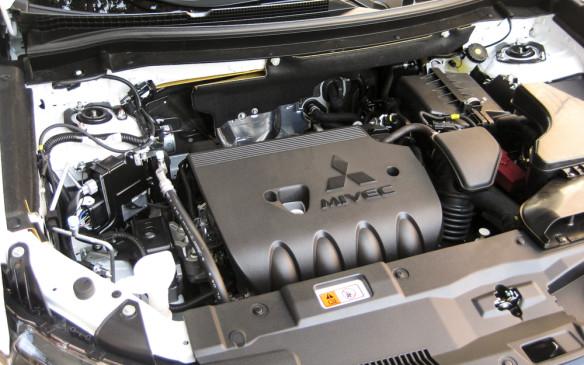 <p>2016 Mitsubishi Outlander</p>