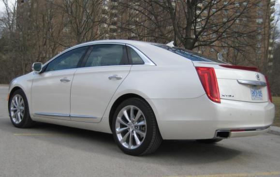 2013 Cadillac XTS - rear 3/4 view low