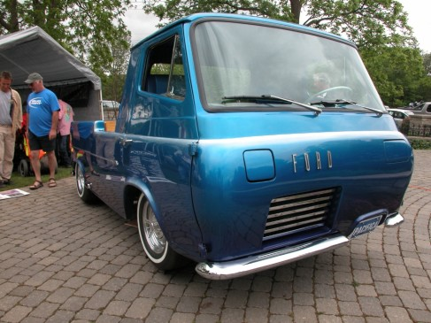 2013 Fleetwood Cruize-In - Ford van pickup custom