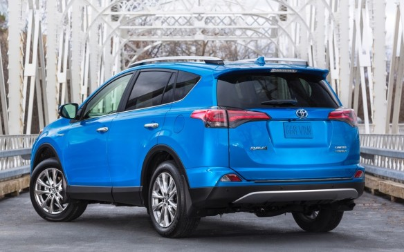 <p>Toyota has given the wildly-popular, made-in-Canada RAV4 a mid-cycle refresh for the 2016 model year, with a mild styling makeover front and rear and the addition of Hybrid and Sport versions.</p> <p>Here are 16 features that help distinguish the 2016 Toyota RAV4 from its predecessors.</p>