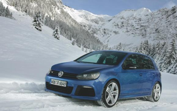 2012 Volkswagen Golf R - front 3/4 view