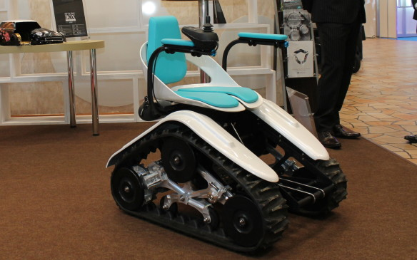 <p>The Style-D is one of the smallest electric vehicles available. Its caterpillar tracks are capable of handling most terrain.</p>