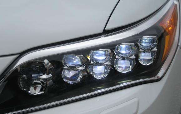 2015 Acura RLX - headlamp detail