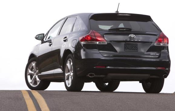 2013 Toyota Venza - rear 3/4 view low