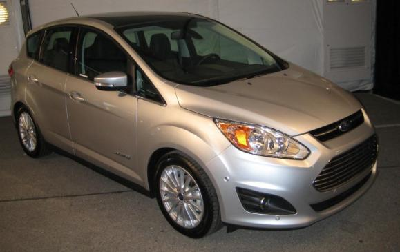 2013 Ford C-MAX Hybrid - front 3/4 view high