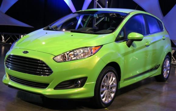 2014 Ford Fiesta 1.0 EcoBoost - front 3/4 view close