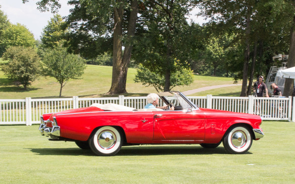 <p>A decade earlier, Studebaker never produced a convertible version of its spectacular 1953 Starliner coupe. But it did build one prototype – this 1953 Commander convertible, which was saved from oblivion when the company went out of business and has since been restored to its original glory.</p>