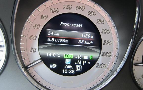 2013 Mercedes-Benz GLK - speedometer