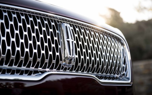 <p>2018 Lincoln Nautilus - successor to the MKX</p>