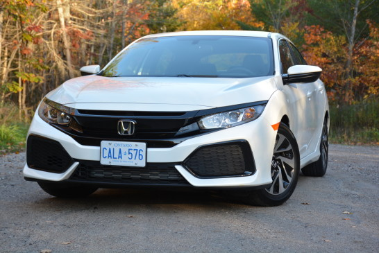 <p>The front end of the hatch looks similar to the sedan version with only a few changes. A wider hood was used to accommodate its turbo engine, while the grille that sports a bolder look with a black stream running across it. </p>