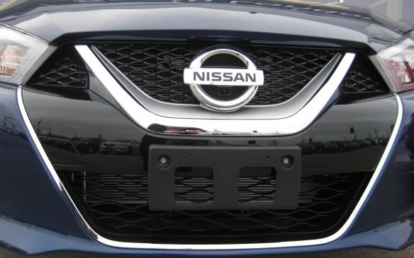 <p>2016 Nissan Maxima</p>