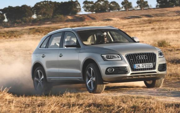 2012 Audi Q5 - front 3/4 motion