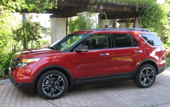 2013 Ford Explorer Sport - side view