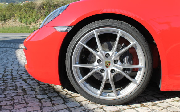 <p><strong></strong>The brakes are bigger all around, too. The Boxster now has the larger brakes of the previous Boxster S, while the Boxster S has the thicker discs and four-piston calipers of the previous 911 Carrera.</p>