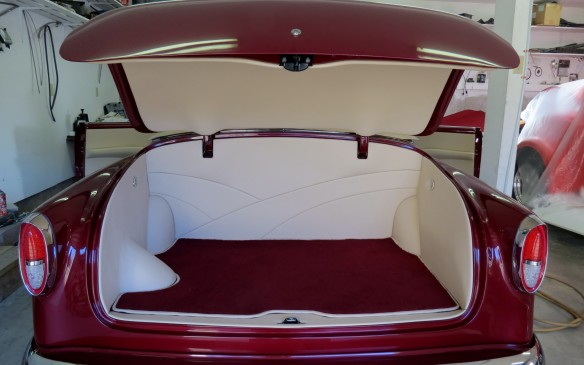 <p>The completed trunk – Alan's background and expertise in upholstery becomes evident!</p>