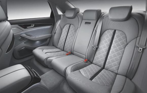 2013 Audi S8 - rear seat